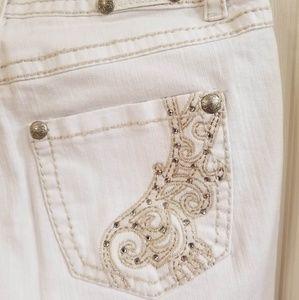 NWT White Jeans